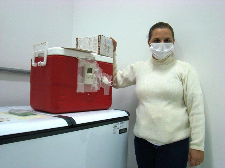 Read more about the article SRS Passos distribui novas remessas de vacinas contra covid-19 aos municípios